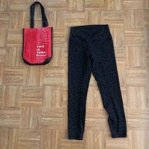Lululemon leggings in size 6
